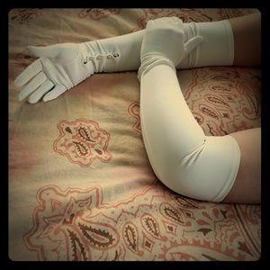 Vintage Long White Gloves (Van Raalte)